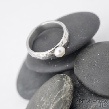 Rocksteel a perla, dřevo - Snubní prsten damasteel, S1453