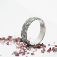 Rocksteel - damasteel snubní prsten, struktura voda - velikost 63, šířka 5,5 mm, tloušťka stěny 1,7 mm, lept 75% - zatmavený - produkt SK2942