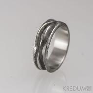 Pán vod - velikost 65 (US 11,25), šířka cca 7,5 mm, tloušťka stěny 2,2 až 2,6 mm, váha prstenu 8 g