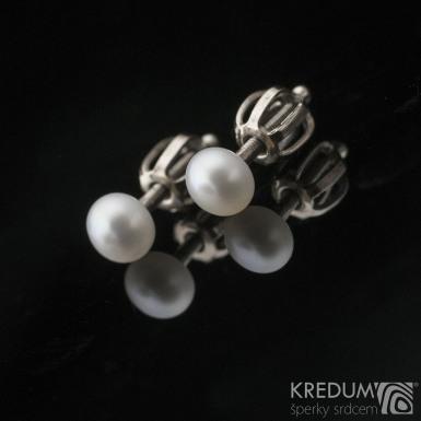 Kiki Golden white 4,5 mm, produkt č. 2134 - Perlové náušničky se zlatým zapínáním