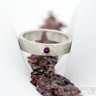 Silver draill a broušený rubín nad 2 mm - 54, šířka 4,5 mm, matný - Stříbrné snubní prsteny - k 1820