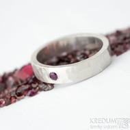 Silver draill a broušený rubín nad 2 mm - 54, šířka 4,5 mm, matný - Stříbrné snubníprsteny - k 1820 (3)