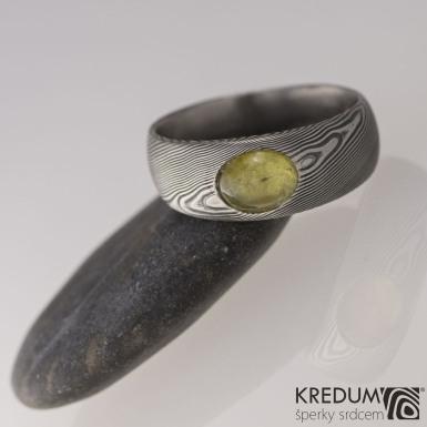 Siona a jantar, dřevo - Kovaný snubní prsten z nerezové oceli damasteel