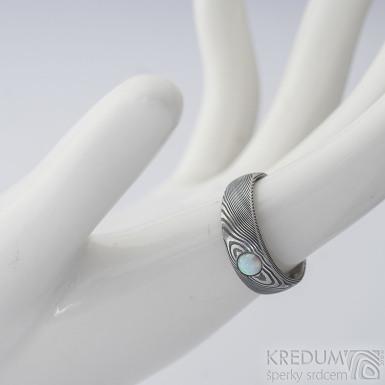 Siona a kabošon opál - 52, šířka hlavy 6 mm, do dlaně 4 mm, struktura dřevo 100% TM, E - Damasteel snubní prsteny - k 2272 (3)
