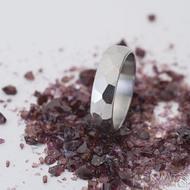 Skalák lesklý - velikost 54, šířka 5 mm, tlouťka 1,5 mm - Kovaný nerezový snubní prsten, SK2459 (4)