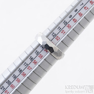 Skalák lesklý - velikost 54, šířka 5 mm, tlouťka 1,5 mm - Kovaný nerezový snubní prsten, SK2459
