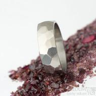 Skalák titan lesklý - 64, šířka 7 mm, tloušťka střední - Snubní prsteny z titanu, K 1612 (3)