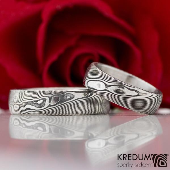 Prima - snubní prsten, struktura dřevo
