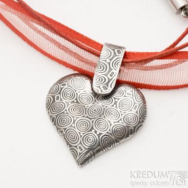 Srdíčko s damasteelovým závěsem - kolečka, zatmavená - Kovaný přívěsek damasteel a textilní šňůrka, SK2543 (2)