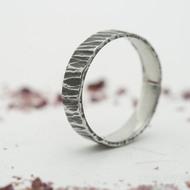 Wood tmavý - 59, šířka 5 mm - Kovaný prsten z nerezové oceli