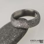 4 kolečka 75 tmavá, damasteel snubní prsten, struktura